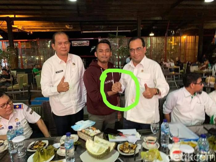 Viral pria tertular Corona usai salam komando dengan Menhub Budi ternyata hoax belaka (dok. Istimewa)