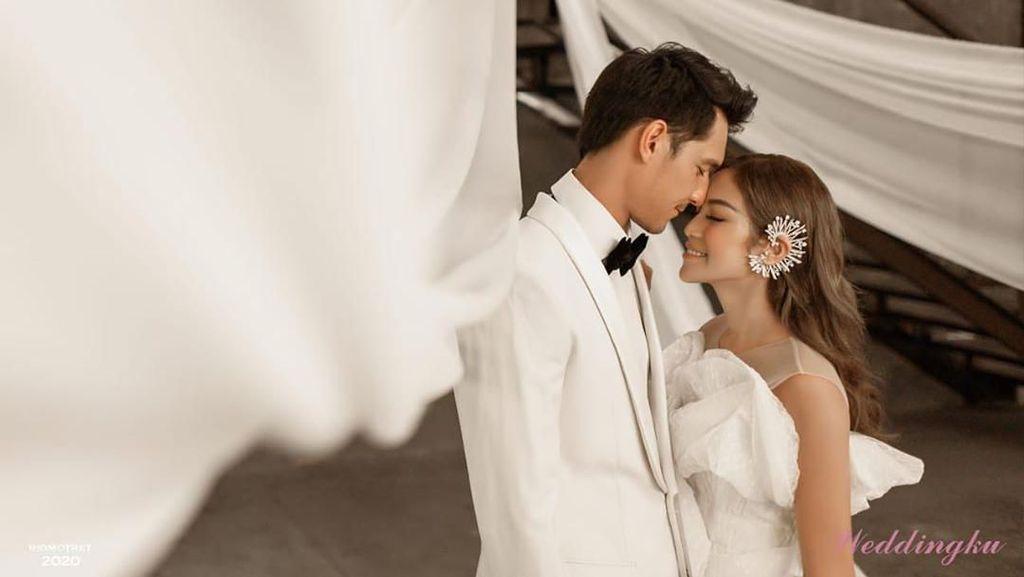 8 Gaya Mesra Jessica Iskandar & Richard Kyle yang Tunda Nikah karena Corona