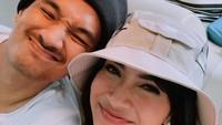 Suami: Vanessa Angel Sedang Stres saat Ini!