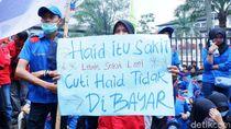 Buruh Demo Tolak RUU Omnibus Law di Gedung Sate