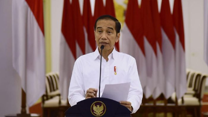 9 'Obat' Jokowi Selamatkan Ekonomi RI yang Terjangkit Corona