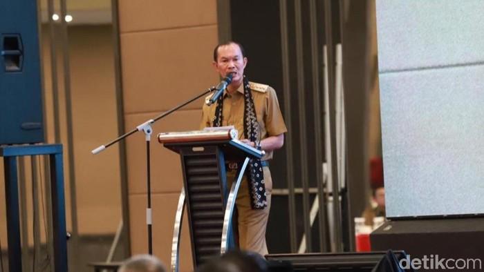 Harnojoyo saat memimpin rapat di ruangan Prameswara Pemkot Palembang. (Raja Adil Siregar/detikcom)