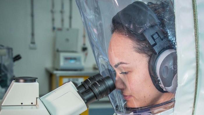 Virus corona: Louis Vuitton akan produksi hand sanitizer, AS dijadwalkan uji coba vaksin