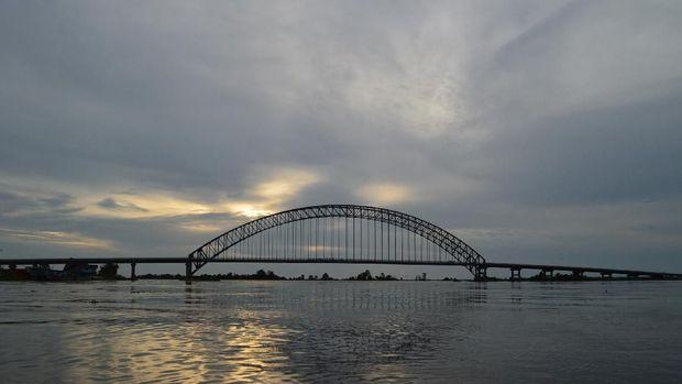 Jembatan Martapura