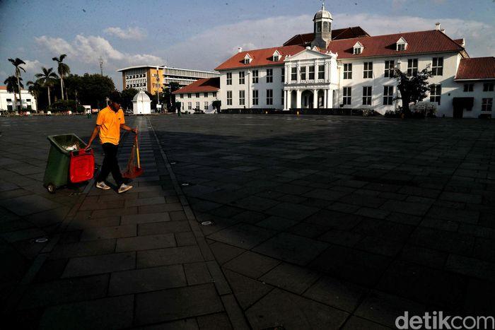 Destinasi wisata di sejumlah kawasan Ibu Kota terpaksa ditutup sementara imbas merebaknya virus corona. Kota Tua menjadi salah satu diantaranya.