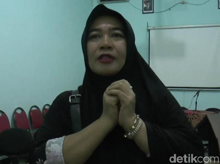 Pengobatan alternatif Ningsih Tinampi di Pasuruan tutup. Ningsih memilih menutup sementara praktiknya untuk mencegah meluasnya virus corona.
