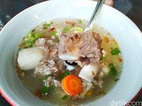 Sop Sapi Gosyen : Sluurp! Gurihnya Sop Daging dan Sop Sumsum