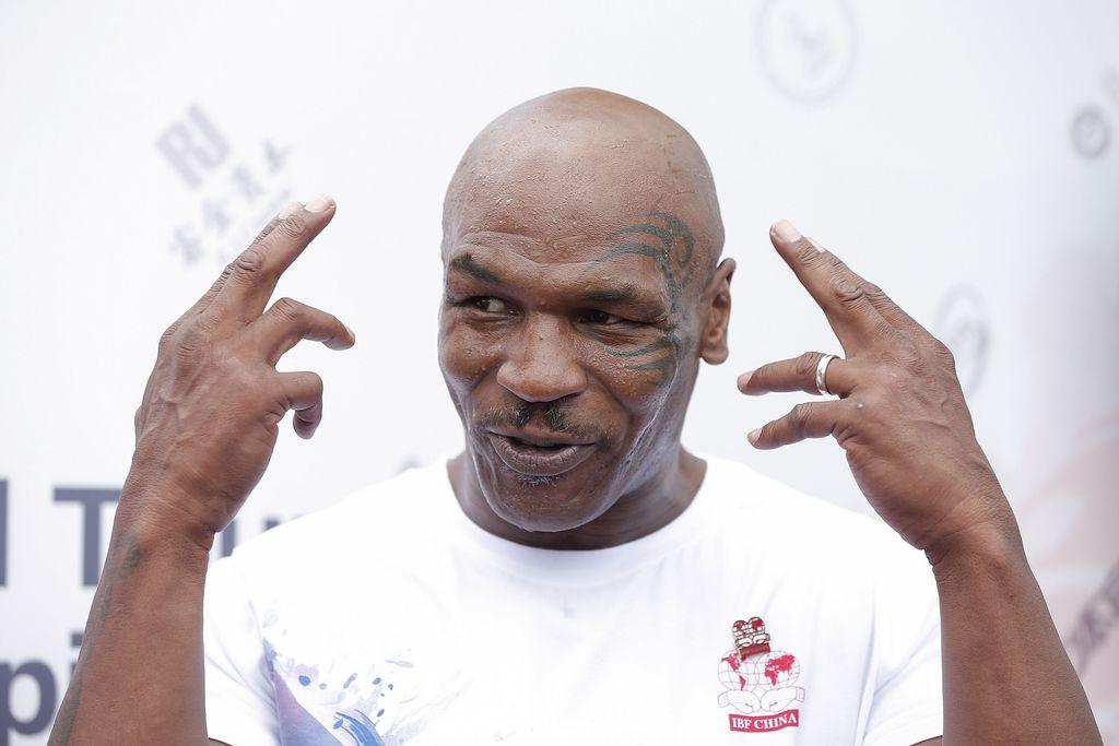 Tato di wajah sebelah kiri Mike Tyson yang terkenal