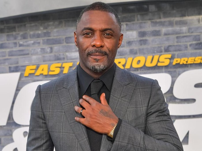 NEW YORK, NY - JULY 30:  Idris Elba attends The Dark Tower photocall at the Whitby Hotel on July 30, 2017 in New York City.  (Photo by Dia Dipasupil/Getty Images)