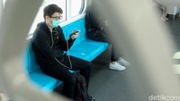 Naik MRT Jakarta Kini Harus Pakai Masker