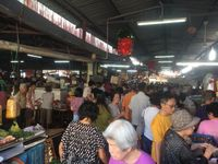 Besok Mulai Lockdown, Warga Malaysia Sudah Padati Pusat Perbelanjaan