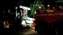Bus Tabrak Kontainer di Tol Merak, 5 Orang Tewas