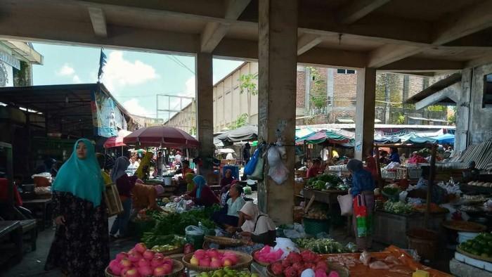 Pedagang di Klaten curhat pasar sepi
