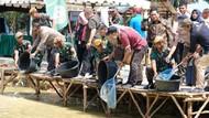 Pertamina Plaju Panen Ikan Lele Perdana di Batalyon Arhanud 12/SBP