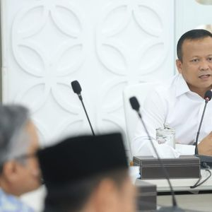 DPR Minta Edhy Prabowo Pangkas Gaji Eselon