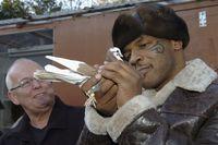 Mike Tyson yang begitu mencintai burung merpati