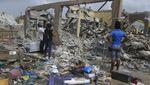 Melihat Proses Evakuasi Korban Tewas Ledakan Gas di Nigeria