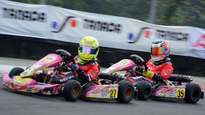 Tidak ada rencana Aditya Wibowo dan Calvin Wibowo turun di ajang seri 2 Kejurnas Gokart Eshark Rok Cup di Sentul International Karting Circuit, Bogor. Malah juara!
