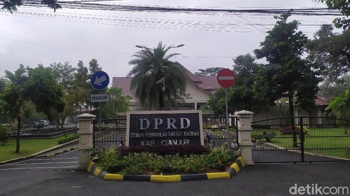 DPRD Cianjur mengecam direksi PDAM yang pelesiran ke Eropa