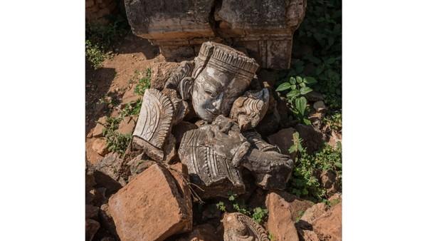 Kuil ini sendiri saat ini kondisinya tak utuh seperti kuil lainnya. Beberapa pagoda telah runtuh dan patung-patungnya pecah.(Foto: Romain Veillon/CNN)