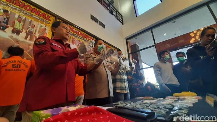 Polrestabes Samarinda tangkap 6 jaringan sabu (Suriyatman/detikcom)