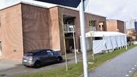 Tes corona drive through di Denmark dilakukan di Rumah Sakit Universitas Aarhus (AFP/ERNST VAN NORDE)