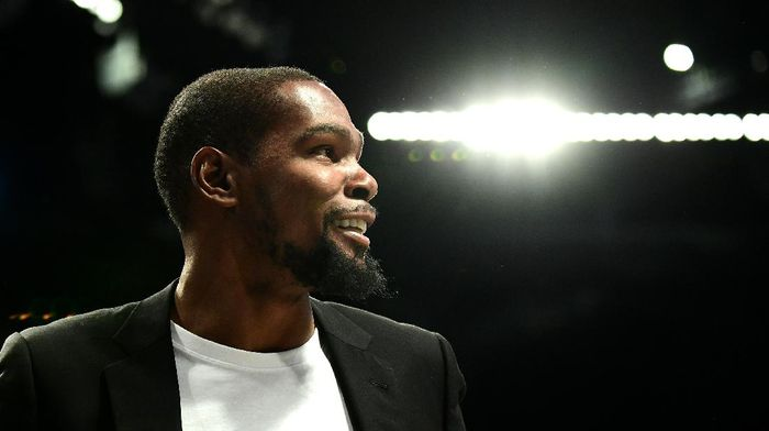 NEW YORK, NEW YORK - OCTOBER 23: Kevin Durant #7 of the Brooklyn Nets reacts during the second half of their game against the Minnesota Timberwolves at Barclays Center on October 23, 2019 in the Brooklyn borough of New York City. NOTE TO USER: User expressly acknowledges and agrees that, by downloading and or using this photograph, User is consenting to the terms and conditions of the Getty Images License Agreement. (Photo by Emilee Chinn/Getty Images)