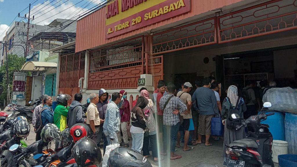Corona Mulai Masuk Surabaya, Warga Borong Alkohol di Toko Kimia