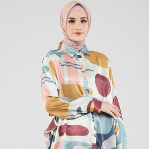 10 Gaya Hijab yang Bikin Awet Muda, Cocok Buat ke Kantor dan Mall