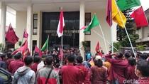 Tolak Eksekusi Panti Asuhan Muhammadiyah, Mahasiswa Demo di PN Bandung