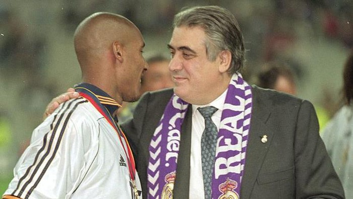 24 May 2000:  Real Madrid President Lorenzo Sanz and Real Madrid player Nicolas Anelka celebrate after the European Champions League Final 2000 against Valencia at the Stade de France, Saint-Denis, France. Real Madrid won 3-0.  Mandatory Credit: Ben Radford /Allsport