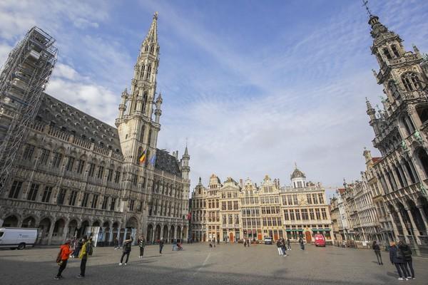 Kemudian ada Brussels di Belgia. Brussels memiliki tingkat polusi yang cukup tinggi dan jam kerja yang panjang. Foto: AP/Olivier Matthys