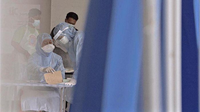 Otoritas kesehatan Malaysia melaporkan tambahan 110 kasus baru virus Corona di wilayahnya. Sejauh ini, total 900 kasus terkonfirmasi disana.