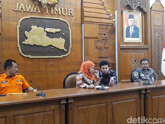 Gubernur Khofifah Indar Parawansa akhirnya membuka peta penyebaran pasien corona di Jawa Timur. Khofifah memaparkan data ini dalam bentuk grafik saat jumpa pers.