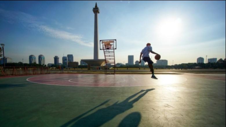 Olahraga Sore di Monas