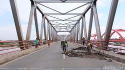 Baut Lepas Termakan Usia, Pelat Jembatan Musi II Palembang Jebol