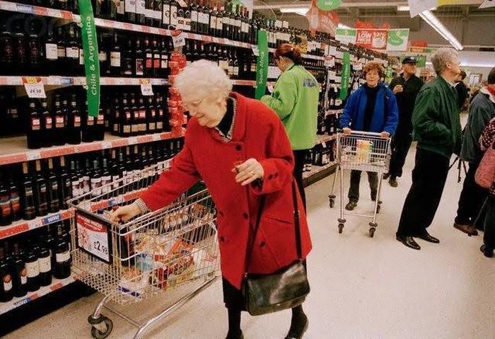 jam belanja supermarket