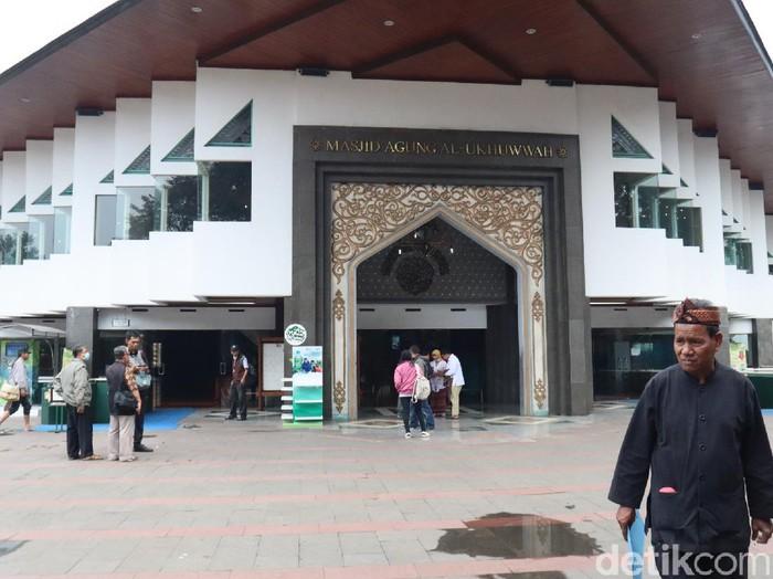 Masjid Al-Ukhuwwah Bandung