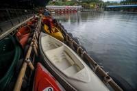 Hal itu dilakukan untuk mengantisipasi kerumunan wisatawan yang berpotensi dapat memperluas penyebaran COVID-19 di Jawa Barat.