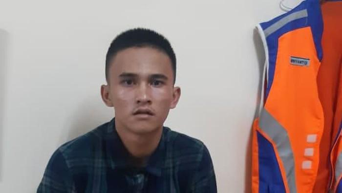 Andika (30), pelaku pencurian tas di KRL
