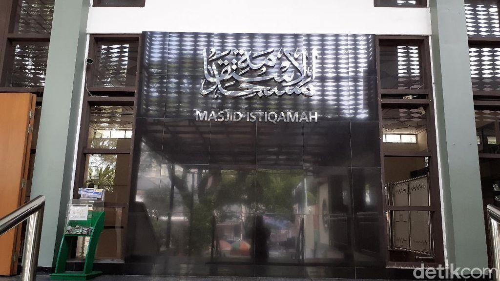 Ini Sejumlah Masjid di Jabar yang Tetap Gelar Salat Jumat