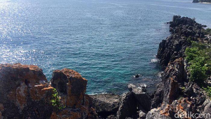Pantai Taraujung Majene