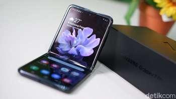 Unboxing Ponsel Layar Lipat Samsung Harga Rp 21,8 Juta