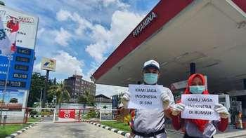 Foto Aksi Pegawai BUMN Stay At Work Saat Wabah Corona