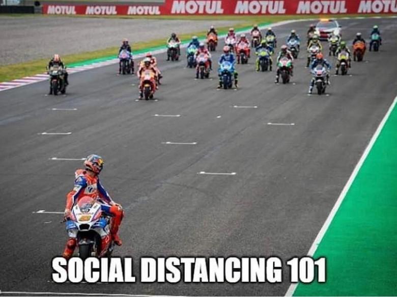 Meme social distancing