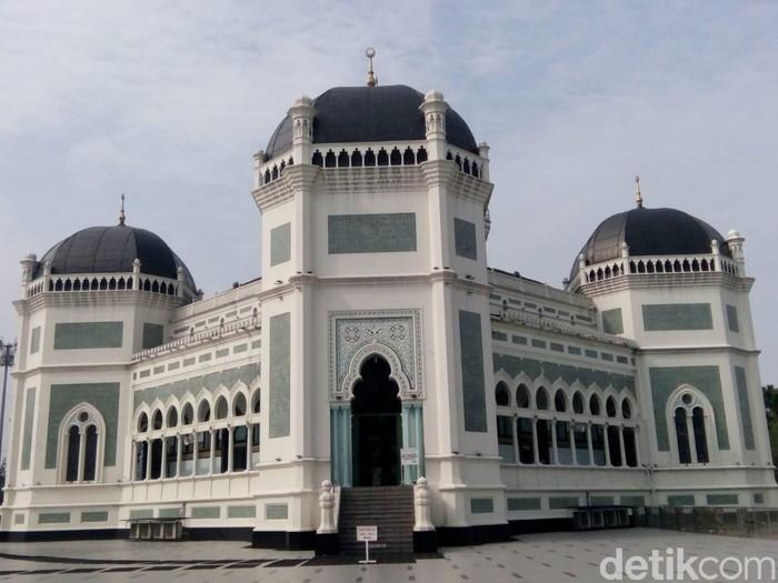 Masjid Raya Medan (Ahmad Arfah/detikcom)