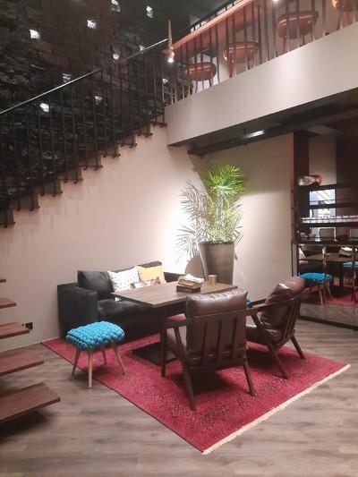 restoran front room
