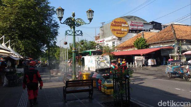 Antisipasi Corona, Pemda DIY Semprot Disinfektan di Malioboro