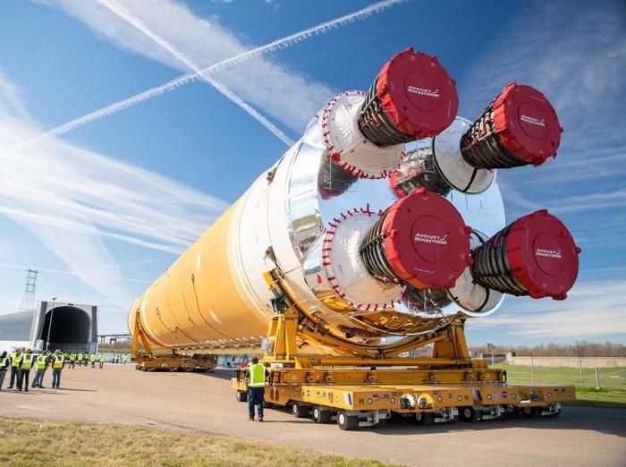 Roket SLS untuk misi Artemis NASA