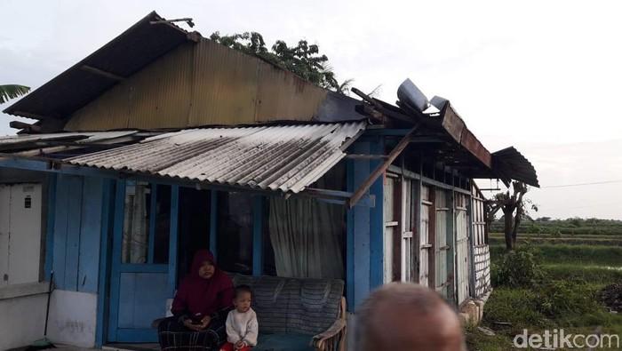 Puluhan Rumah Di 2 Desa Porak Poranda